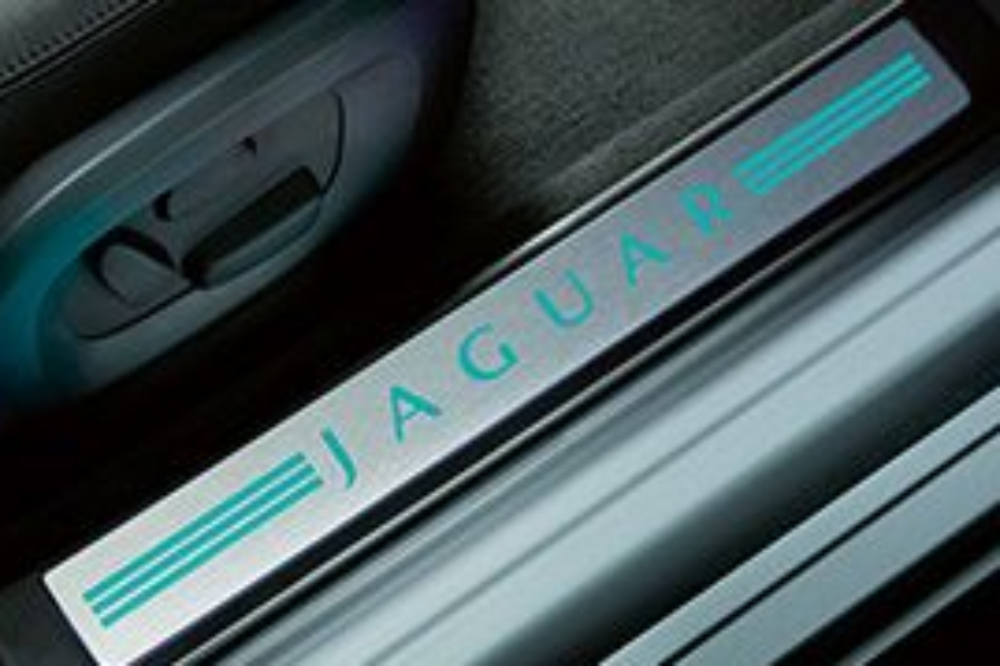 Jaguar Xf Illuminated Door Sill Plates P in addition Daewoowinstorm in addition Cadillac Cts Sport Wagon Interior furthermore Jaguar Chrome Gear Knob With Growler Emblem P moreover Range Rover Sport. on land rover sport 2010